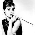 Biografia •Audrey Hepburn Audrey Kathleen Ruston (nome cambiato poi in Edda Van Heemstra durante la guerra) nasce il 4 maggio 1929 a Bruxelles da padre banchiere inglese e da madre […]