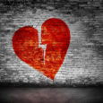 L'amore è come un fiore ti spezza sempre il cuore. L'amore è bello fino ad un certo punto ma purtroppo non l'ho raggiunto. L'amore ti imbroglia mai una gioia.