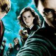 Harry Potter, è il titolo del film e del libro, ma anche il nome del protagonista. Nel primo film, Harry Potter e la pietra filosofale, Harry, non conosce ancora le […]