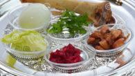Pesach è la Pasqua degli Ebrei, cioè una cena per ricordare la loro liberazione dall'Egitto. In effetti si mangia il pane azzimo per far ricordare la fretta degli Ebrei, l'agnello […]