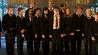 Quinto volume della saga: Durante le vacanze estive, due dissennatori attaccano Harry Potter insieme a suo cugino per aver usato un incantesimo per difendersi. Harry dovrà presentarsi al Ministero della […]
