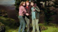 Terzo volume della saga: Harry rientra per la terza volta ad Hogwarts dopo essere fuggito dalla casa degli zii ed aver preso il Nottetempo. A scuola sono previste nuove materie […]